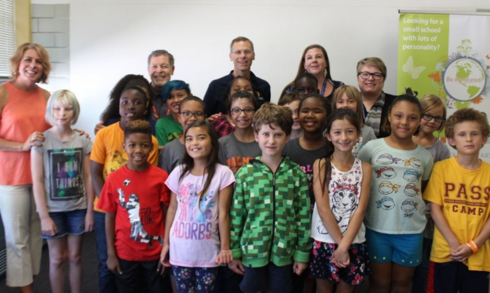 Superintendent Tom Boasberg visits students and staff at Palmer Elementary.